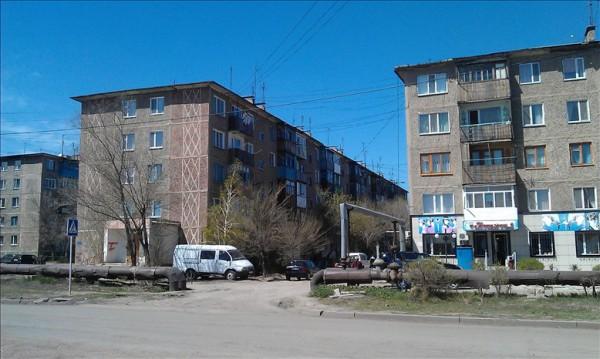 カザフスタンの街中の水道管2