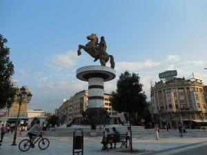 スコーピエ アレクサンドロス大王像